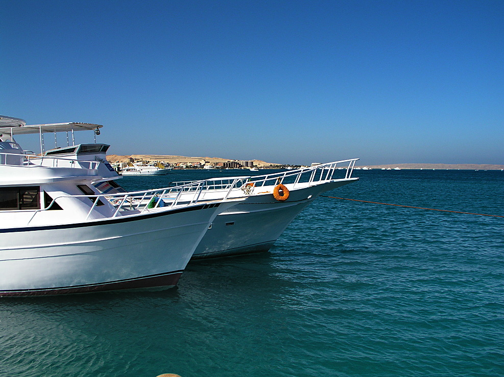 Boote am Strand in Hurghada