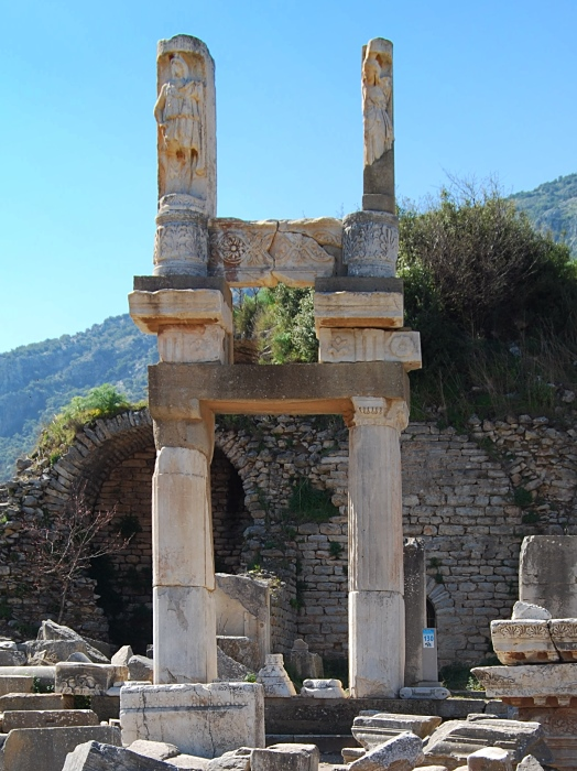Domitianstempel: Kaiserkult in Ephesos