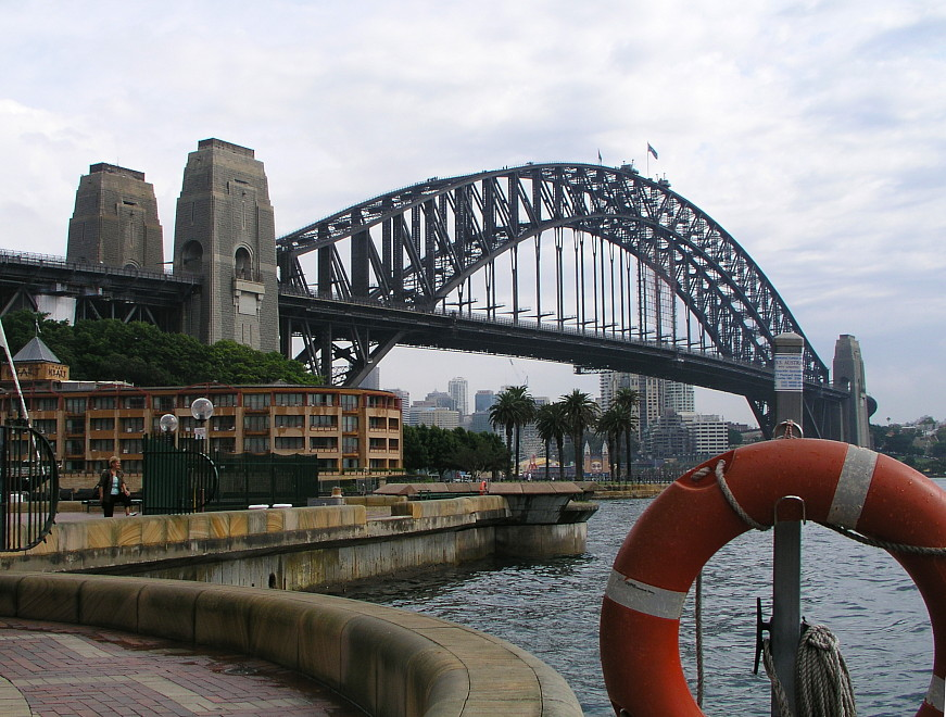 Harbour Bridge und Hyatt-Hotel, Sydney
